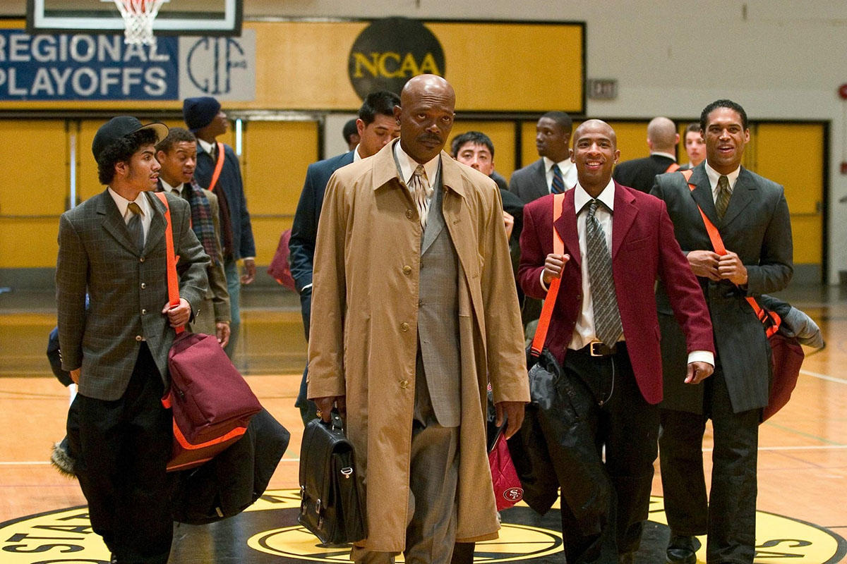 relationship between coach carter and his son