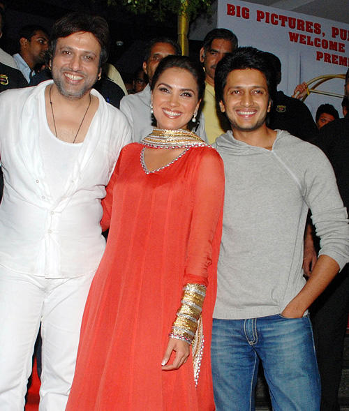 Govinda, Lara Dutta and Ritesh Deshmukh at the premiere of