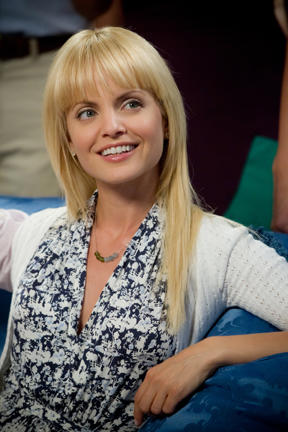 Mena Suvari as Heather in