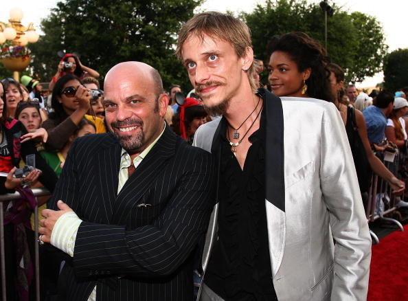 Lee Arenberg and Mackenzie Crook at the world premiere of