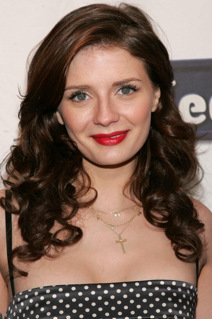 Mischa Barton Pictures and Photos
