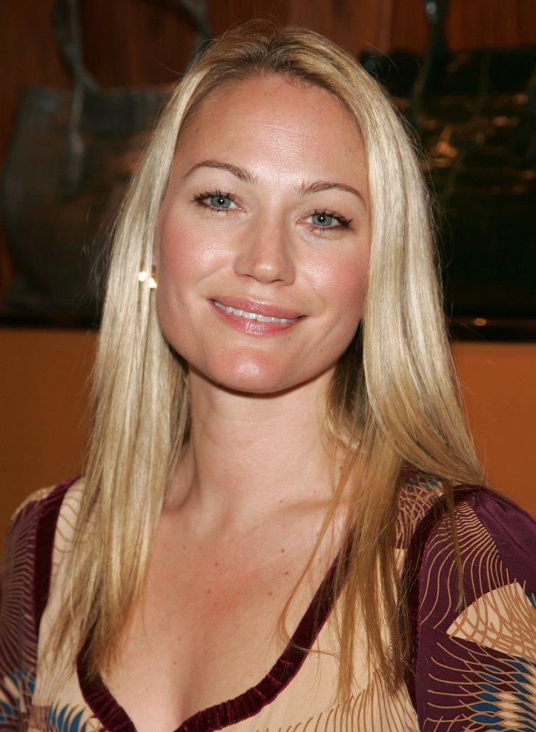 Sarah Wynter at the preview of Tod's Fall/Winter 2007 Collection.
