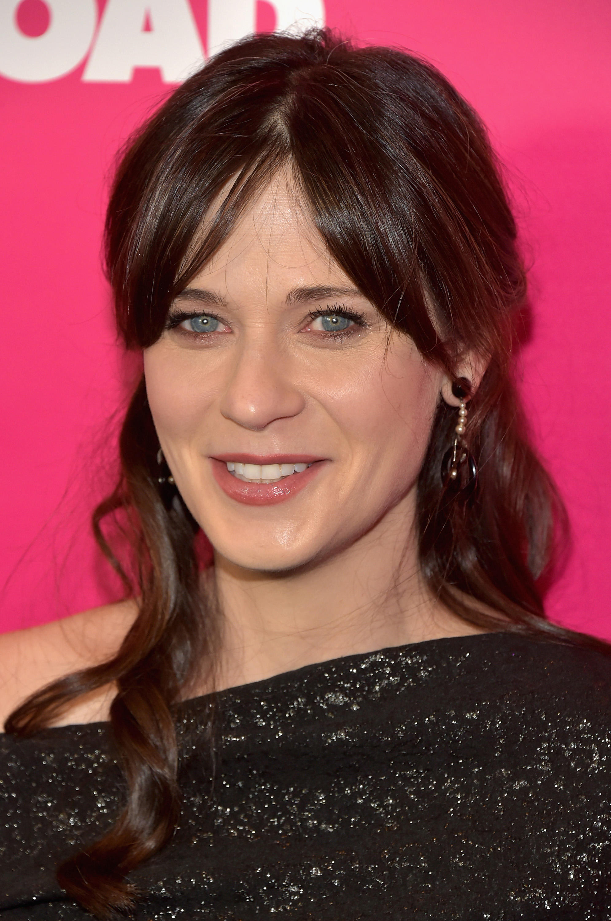 Zooey Deschanel Pictures and Photos | Fandango