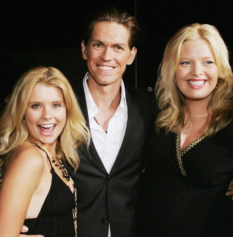 Joanna Garcia, Steve Howey and Melissa Peterman at the premiere of