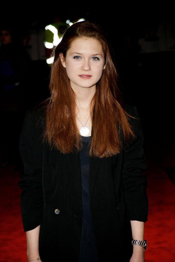 Bonnie Wright Wallpapers