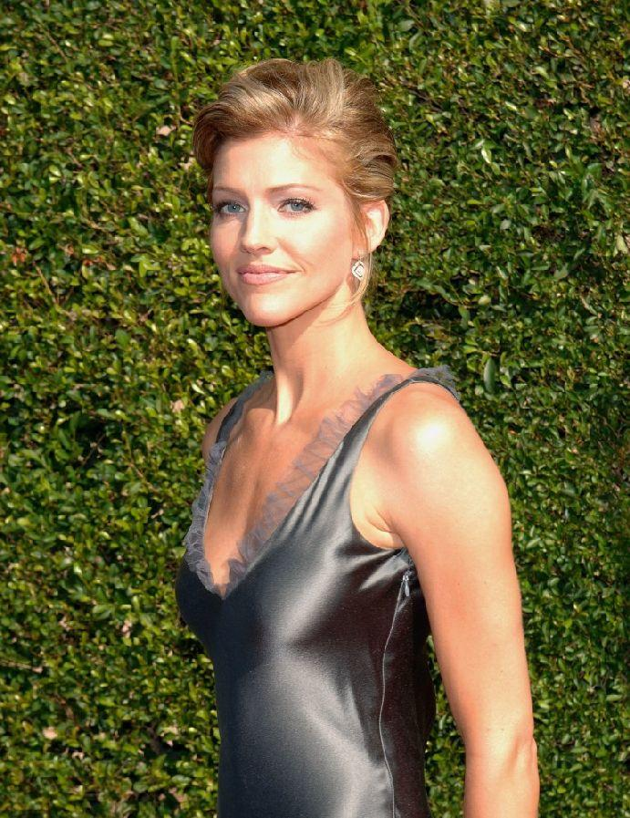 Tricia Helfer At The 2005 Creative Arts Emmy Awards