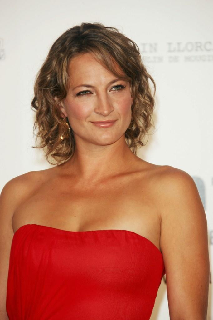 zoe bell nude images