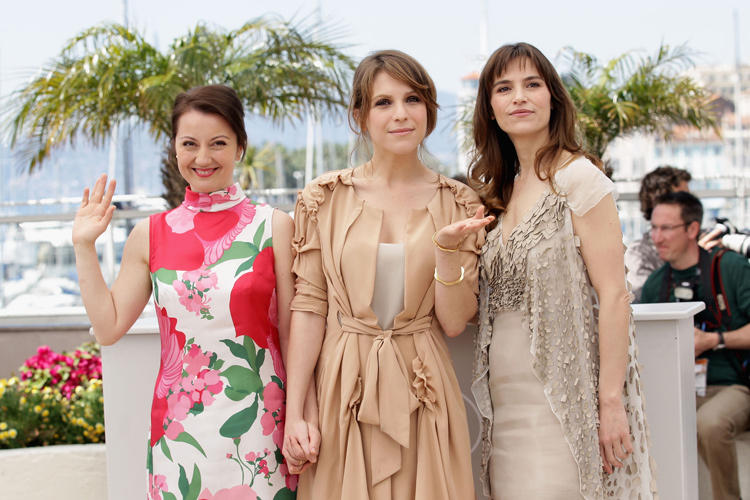 Alina Berzunteanu, Stefania Montorsi and Isabella Ragonese at the photocall of