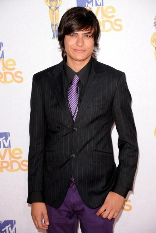 Kiowa Gordon at the 2010 MTV Movie Awards.