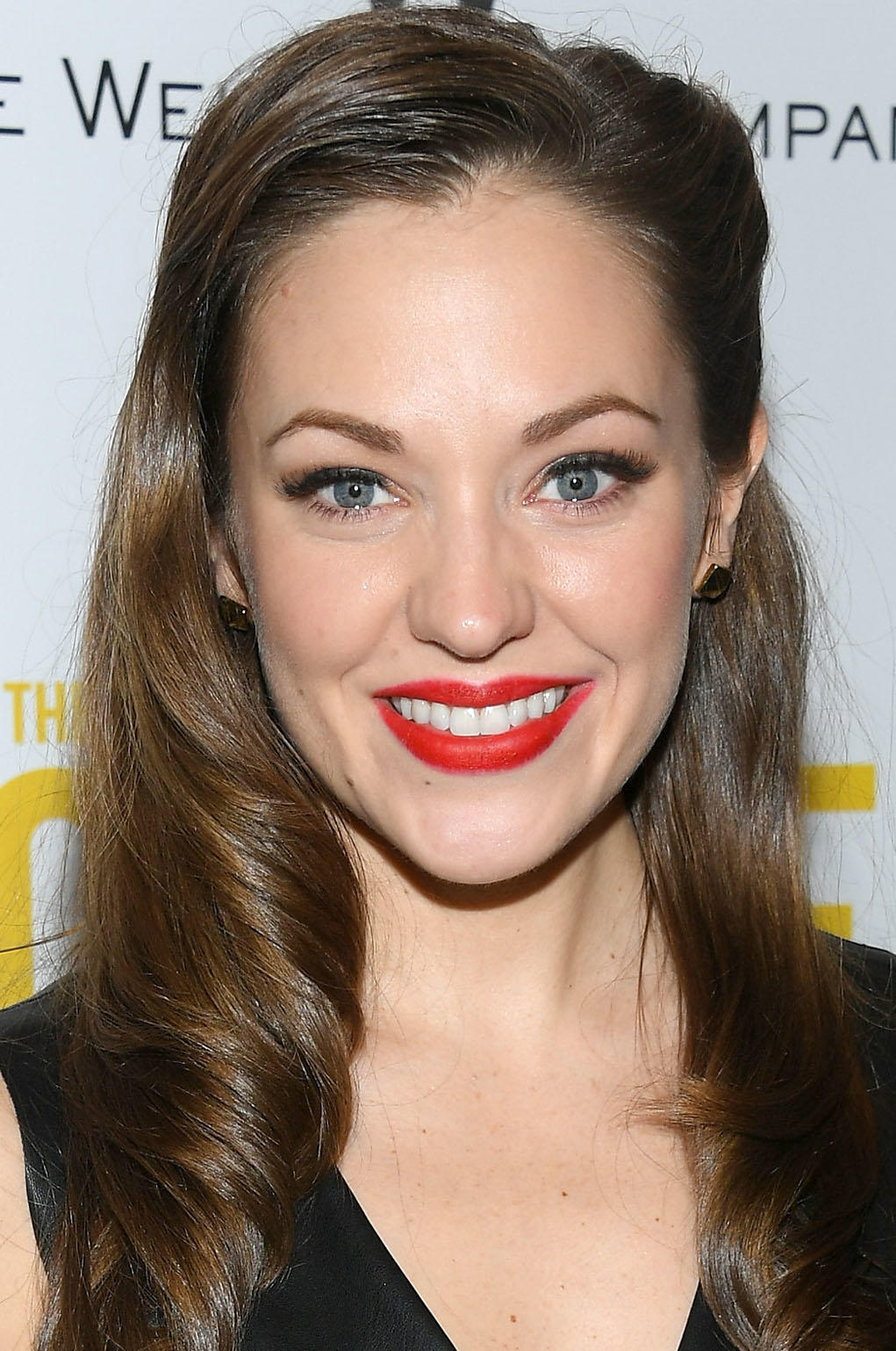 Laura Osnes Pictures and Photos | Fandango