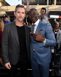Eric Bana and Djimon Hounsou