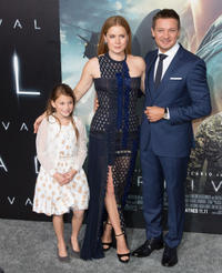 Abigail Pniowsky, Amy Adams and Jeremy Renner