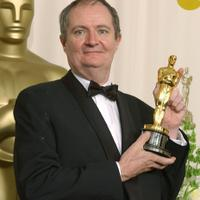 Jim Broadbent (Iris, 2001)