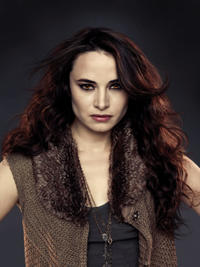 Carmen (Mia Maestro)