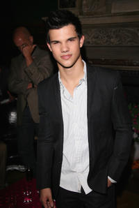 Watch Taylor Lautner