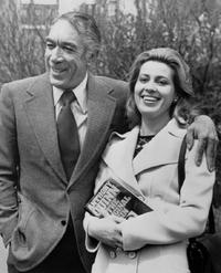 Anthony Quinn and Iolanda with Quinn's autobiography The original sin.