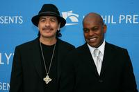 Carlos Santana and Jubilant Sykes at the 2006 Hollywood Bowl Hall of Fame Induction Concert.