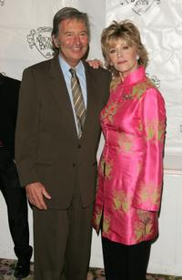 Robert Shaye and Jane Fonda at the 2005 National Board of Review of Motion Pictures Awards ceremony.