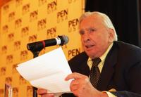Author Gore Vidal at the PEN USA Annual LitFest Awards Gala.