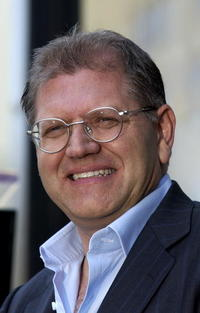 Robert Zemeckis getting his star on the Hollywood Walk of Fame.