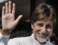 Amitabh Bachchan at the Lilavati Hospital.
