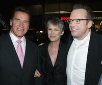 Jamie Lee Curtis, Arnold Schwarzenegger and Tom Arnold at the premiere of