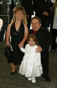 Warwick Davis and family at the premiere of