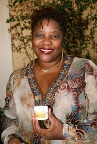 Loretta Devine at the Frederic Fekkai Pre-Emmy Style 2006 Garden party.