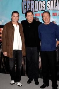 Tim Allen, John Travolta and Ray Liotta at the Madrid potocall of