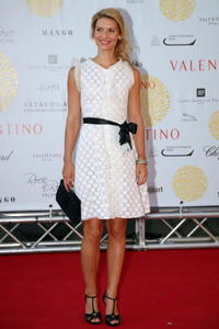 Claire Danes the Ara Pacis for Valentino's Exhibition opening in Rome.