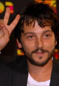 Diego Luna at the Los Premios MTV Latin America 2007.
