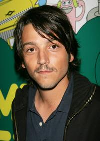 Diego Luna at the MTV's mi TRL.