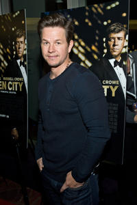 Mark Wahlberg at the Chicago premiere of
