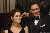 Amy Brenneman and Jimmy Smits in