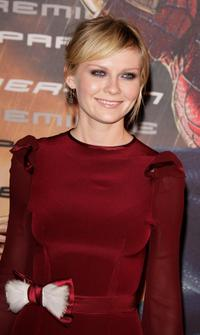 Kirsten Dunst at the ''Spider-Man 3'' premiere in Paris.