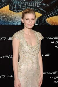 Kirsten Dunst at the premiere for ''Spider-Man 3'' at the Palacio de la Musica Cinema in Madrid, Spain.