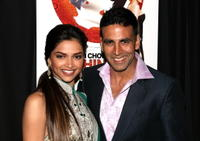 Deepika Padukone and Akshay Kumar at the premiere of