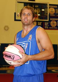 Rob Estes at the 2001 Sears-WNBA Breast Health Awareness Celebrity Game.