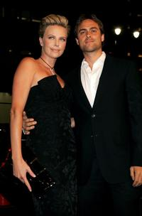 Charlize Theron and Stuart Townsend at the premiere of