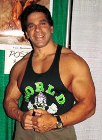 Lou Ferrigno at the second annual New York Comic And Fantasy Creators Convention.
