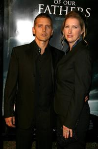 Barry Pepper and Cindy Pepper at the premiere of