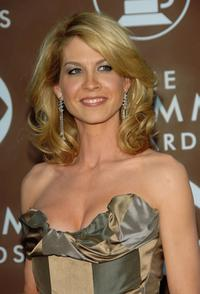 Jenna Elfman at the 48th Annual Grammy Awards.