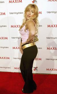 Lisa Ann Walter at the Maxim Magazine Bowls for Dollars event.