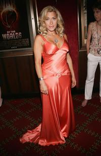 Lisa Ann Walter at the premiere of