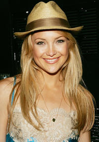 Kate Hudson on MTV's Total Request Live at MTV Studios in N.Y.