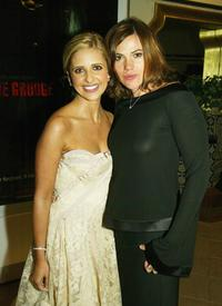 Sarah Michelle Gellar and Clea Duvall at the premiere of
