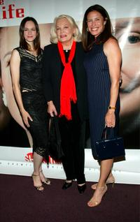 Susan May Pratt, Gena Rowlands and Mimi Rogers at the premiere of