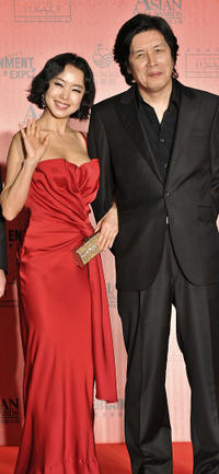 Jeon Do-yeon and director Lee Chang-dong at the Asian Film Awards 2008 in Hong Kong.