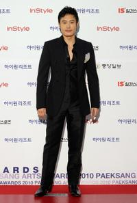 Lee Byung-hun at the 46th PaekSang Art Awards.