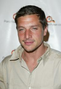 Simon Rex at the ParadisePoker.com Celebrity Charity poker Challenge.